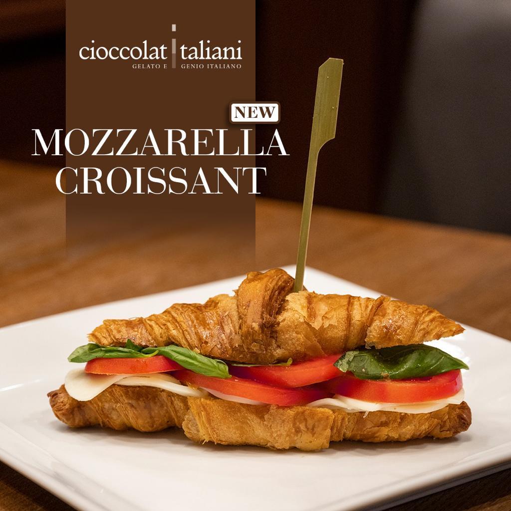 Mozzarella Croissant